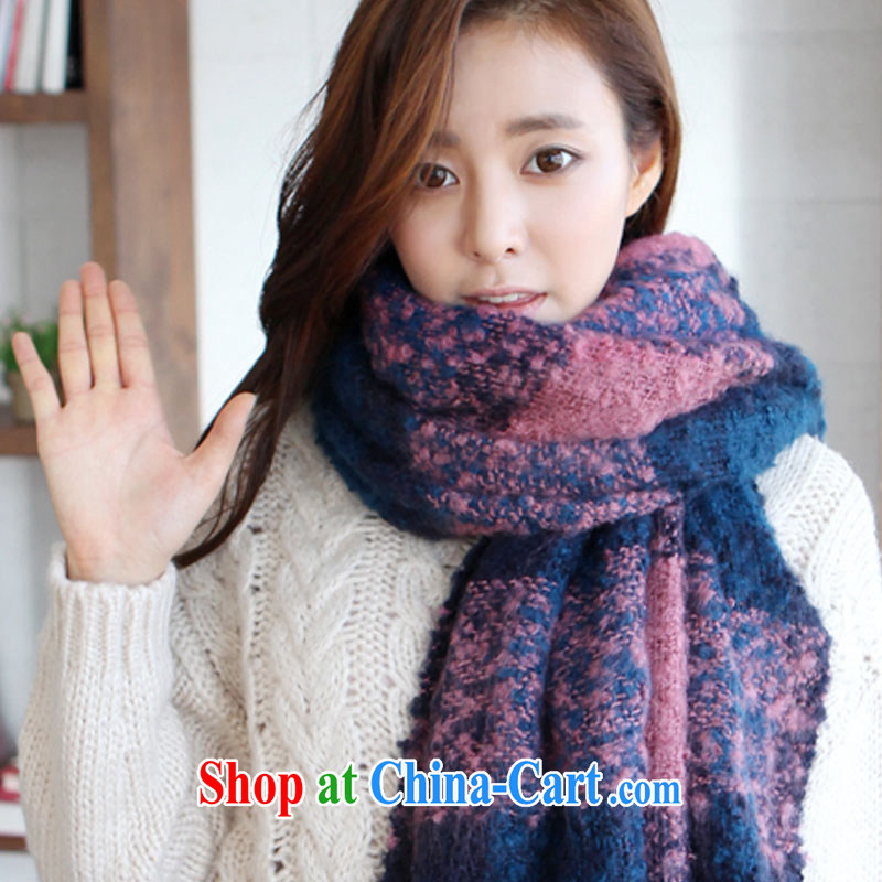 The world the summer air-conditioning rooms warm the shawl Korean new yarns brushed multi-colored warm winter scarf stylish tartan stripes couples scarf winter scarf pink blue patterned