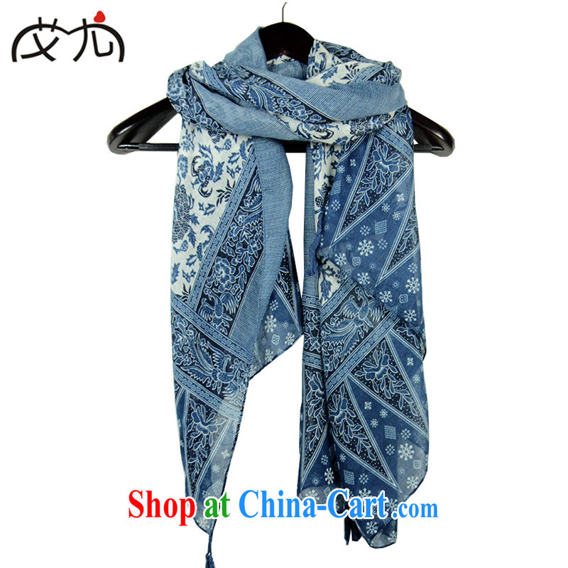 In the autumn and winter, the blue and white porcelain Lijiang ethnic cheating the border and beach shawl scarves cotton muslin square Ma female Tibetan cyan